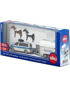 Politiebus met paardentrailer